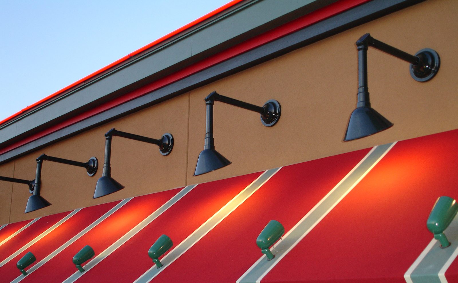 Accent Awnings Inc Awnings Fabric Metal Retractable